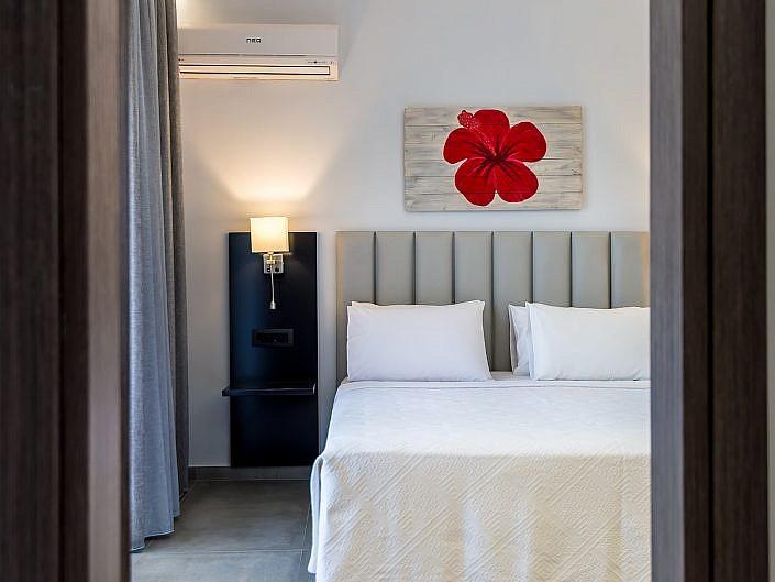 THEATRAKI HOTEL